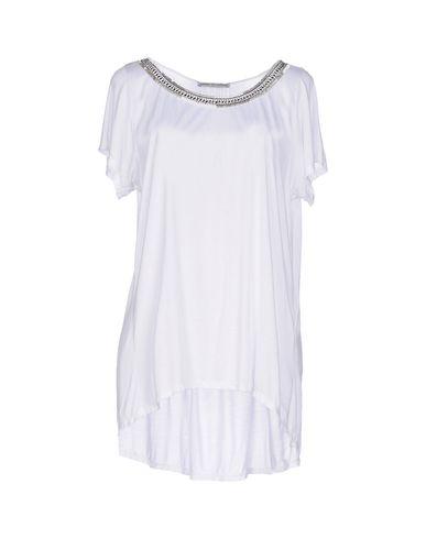 Foto AMBRE BABZOE T-shirt donna T-shirts