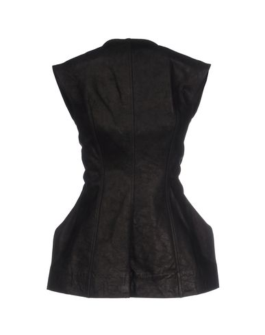 Фото 2 - Женскую куртку  черного цвета