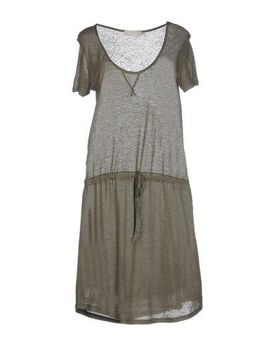 Фото - Женское короткое платье  цвет зеленый-милитари