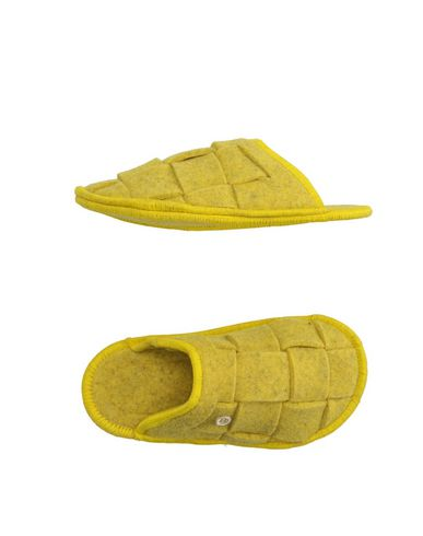 Домашние туфли от RENUDO