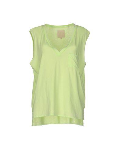 Фото - Женскую футболку  кислотно-зеленого цвета