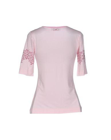 Фото 2 - Женскую футболку VDP COLLECTION розового цвета