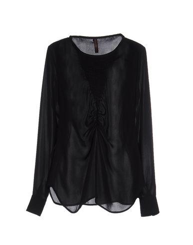 Блузка от HIGH TECH