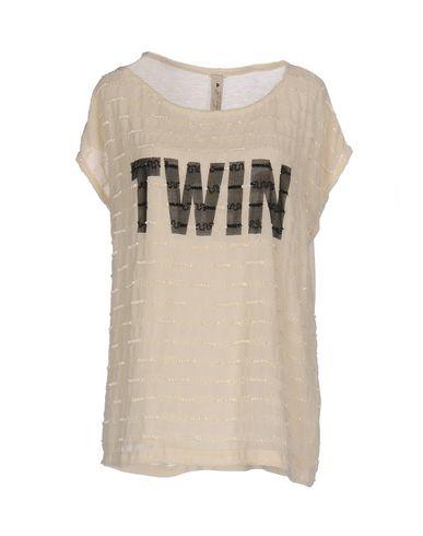 Фото - Женскую блузку LE COEUR TWINSET бежевого цвета