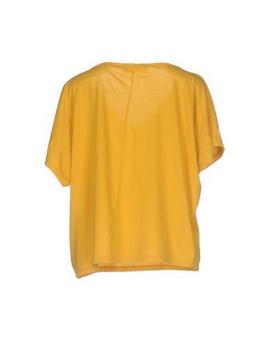 Фото 2 - Женскую футболку JUCCA цвет охра