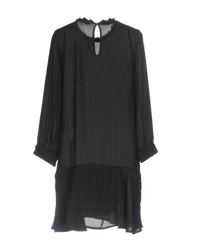 Фото 2 - Женскую блузку INDUIT черного цвета