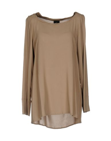 Фото - Женскую блузку GOTHA светло-коричневого цвета