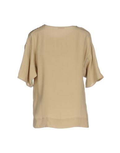 Фото 2 - Женскую блузку P.A.R.O.S.H. бежевого цвета