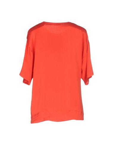 Фото 2 - Женскую блузку P.A.R.O.S.H. красного цвета