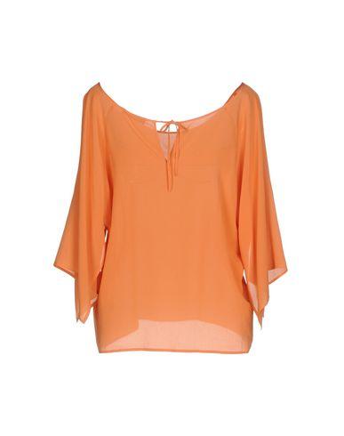 Фото 2 - Женскую блузку ROBERTO COLLINA оранжевого цвета