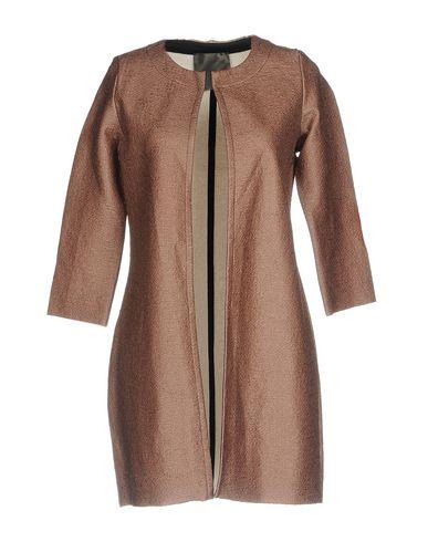 Фото - Легкое пальто коричневого цвета