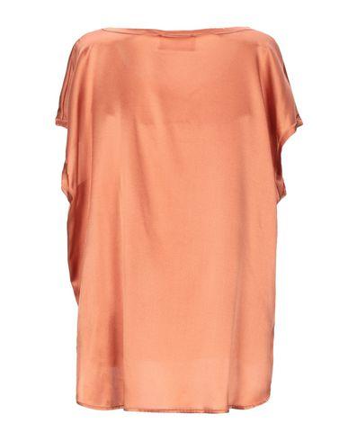 Фото 2 - Женскую блузку SOLOTRE цвет верблюжий