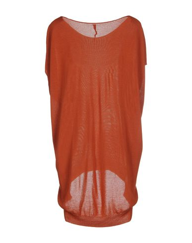 Фото 2 - Женский свитер  ржаво-коричневого цвета