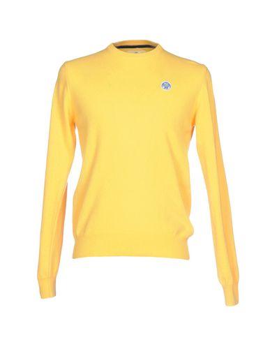 Фото - Мужской свитер  желтого цвета
