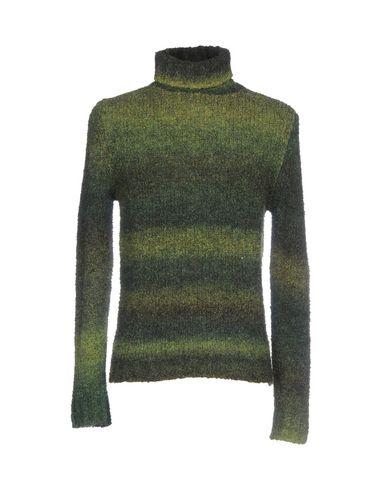 Водолазки VNECK. Цвет: темно-зеленый