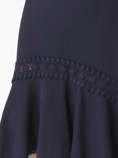 Aラインのミディスカート