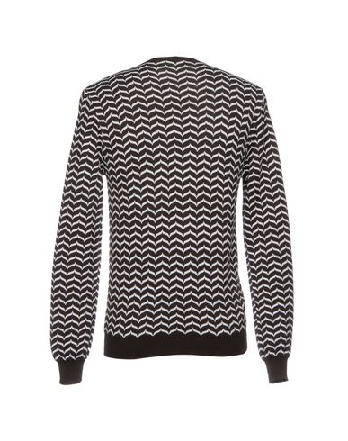 Фото 2 - Мужской свитер BRIAN DALES темно-коричневого цвета