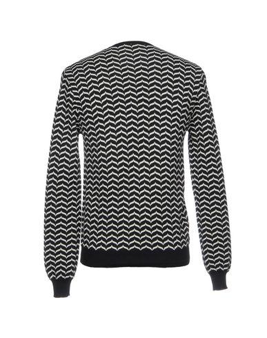 Фото 2 - Мужской свитер BRIAN DALES черного цвета