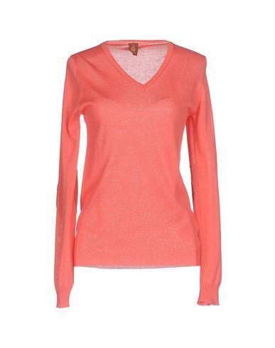Фото - Женский свитер  кораллового цвета