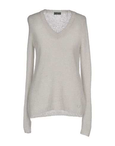 Фото - Женский свитер  светло-серого цвета
