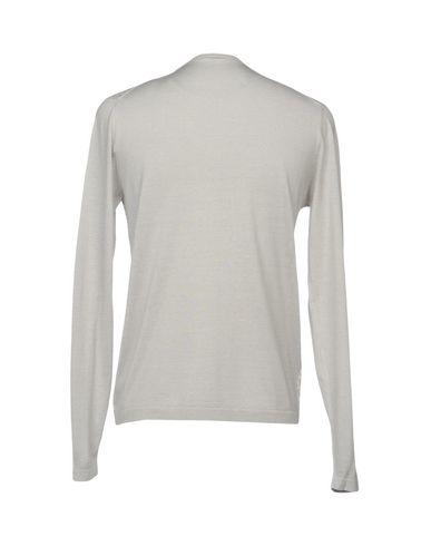 Фото 2 - Мужской свитер  светло-серого цвета