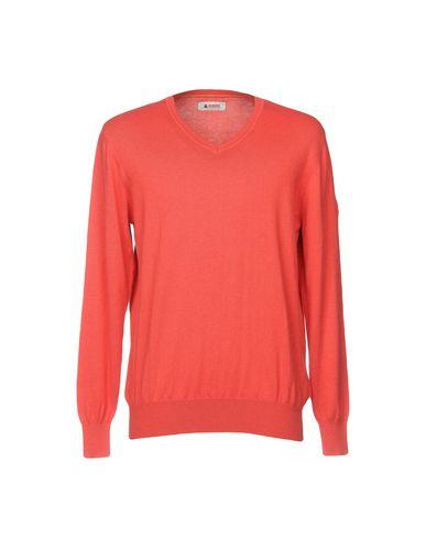 Фото - Мужской свитер  кораллового цвета