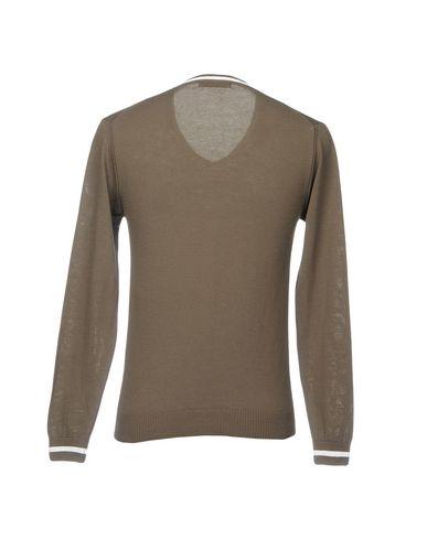 Фото 2 - Мужской свитер  цвета хаки