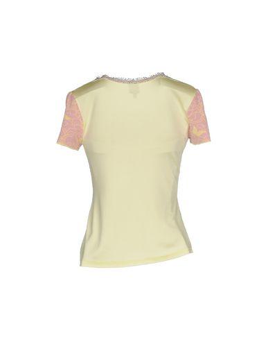 Фото 2 - Женский свитер  желтого цвета