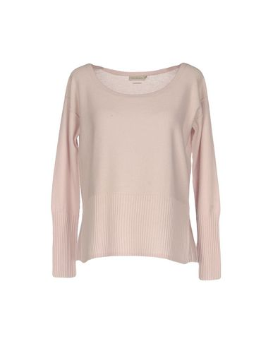 Купить Женский свитер  светло-розового цвета