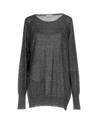 Купить Женский свитер  серого цвета
