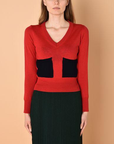 Фото 2 - Женский свитер GEORGE J. LOVE красного цвета