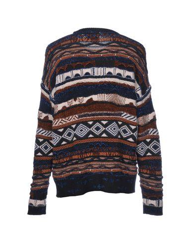 Фото 2 - Мужской свитер LANEUS темно-коричневого цвета