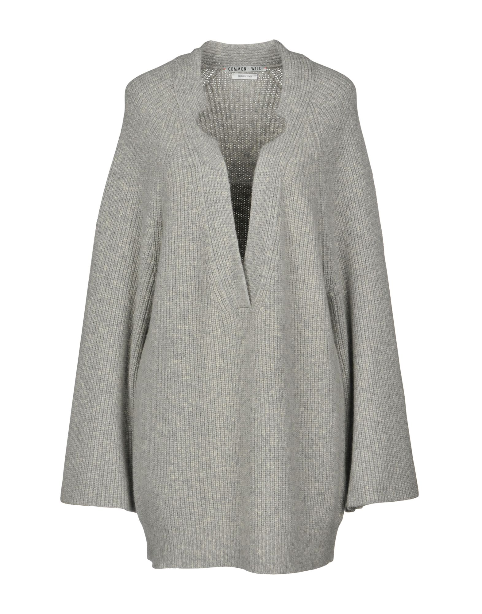 COMMON WILD Sweater in Light Grey