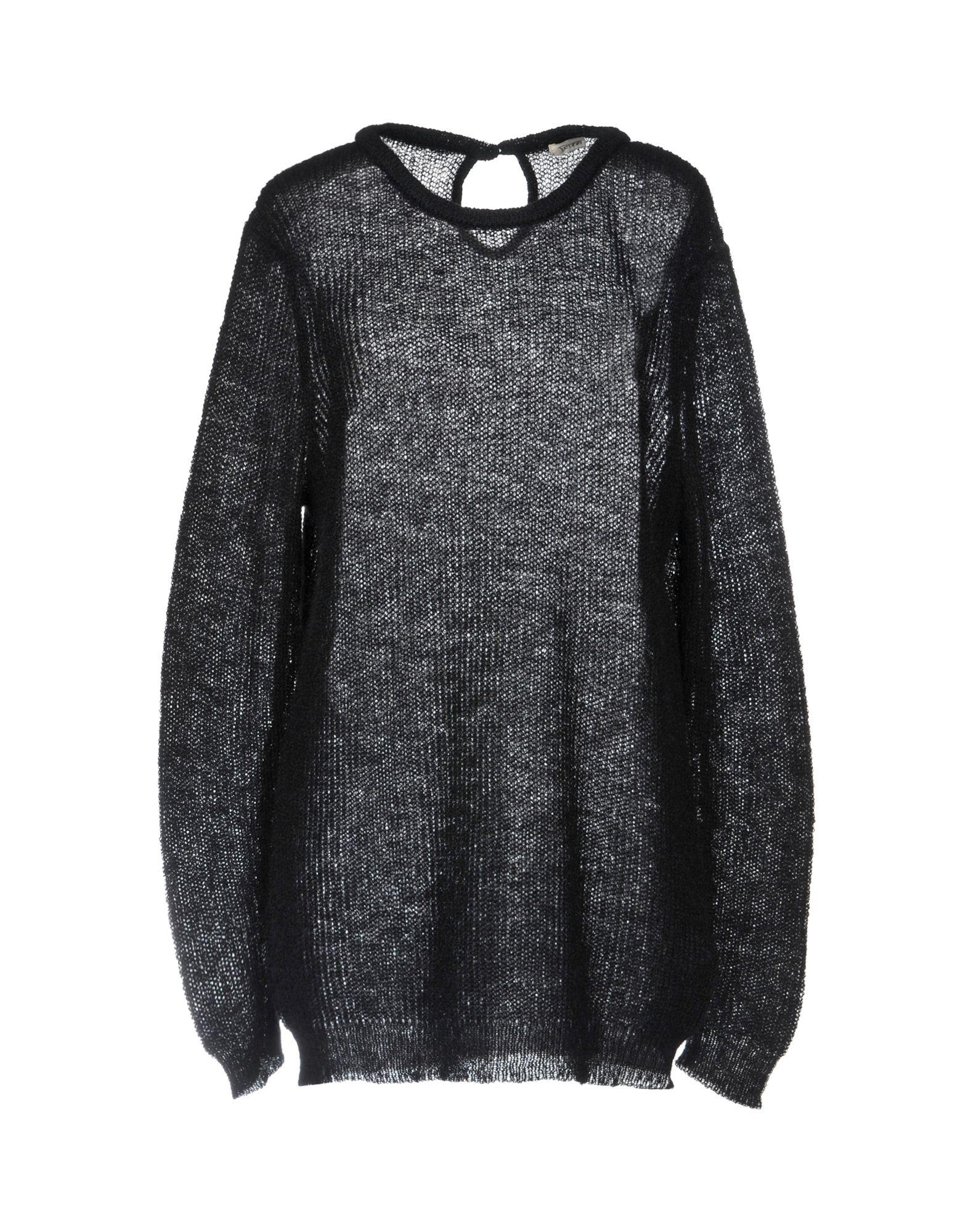 YERSE Sweater in Black
