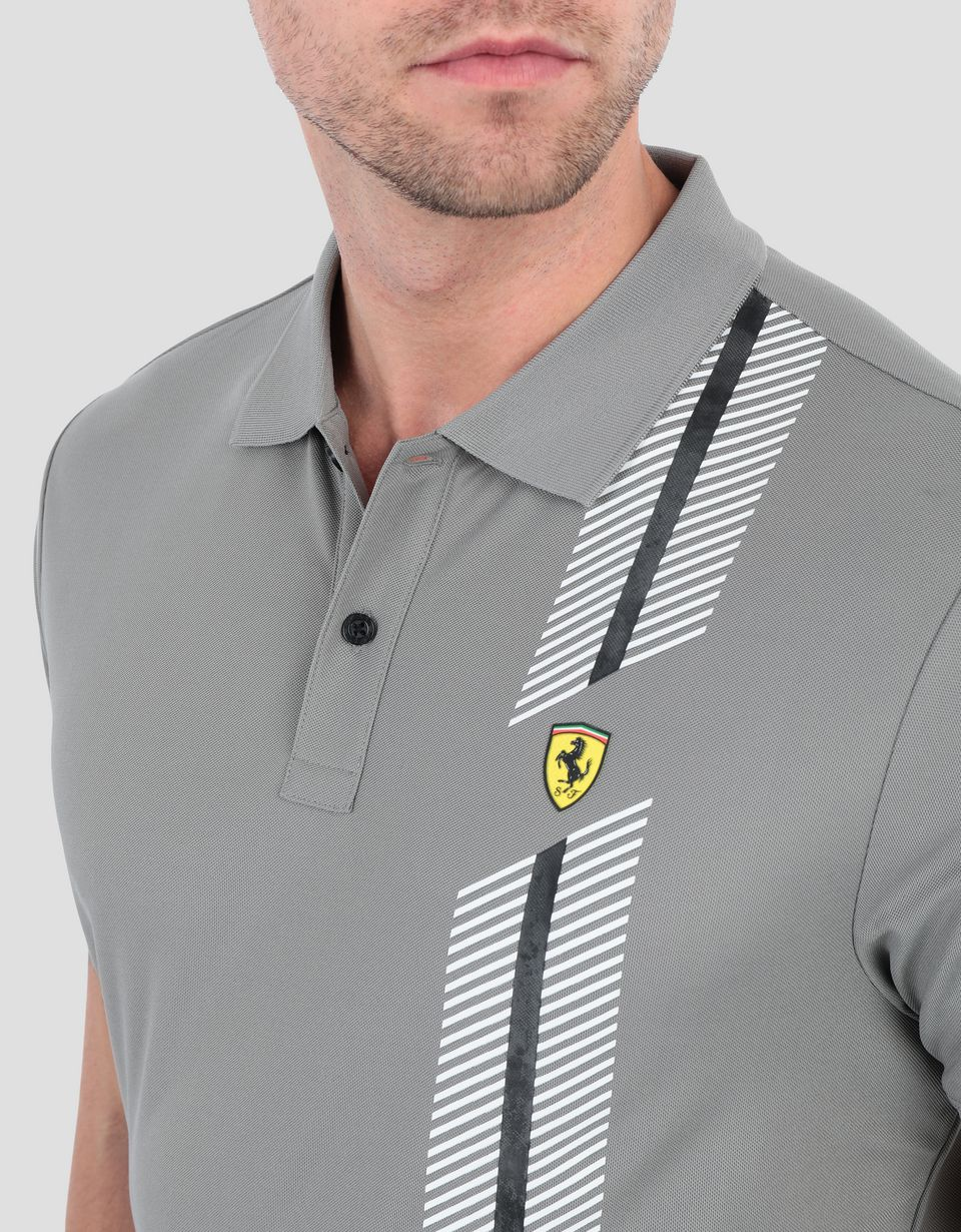 Scuderia Ferrari Online Store - Men's polo shirt in technical piqué with print - Kurzärmelige Poloshirts