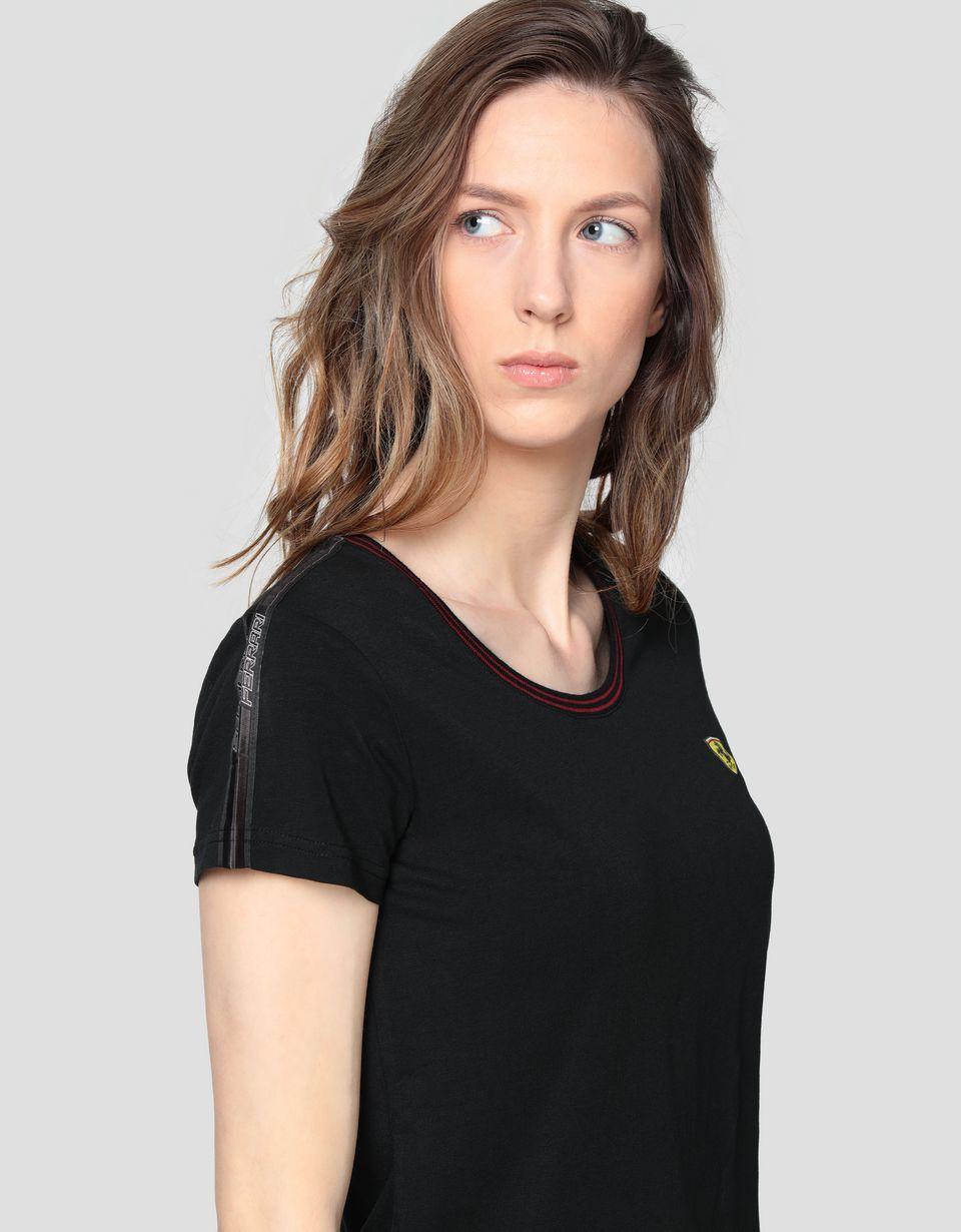Scuderia Ferrari Online Store - Женская футболка из хлопкового джерси с тесьмой Icon Tape - Футболки с короткими рукавами