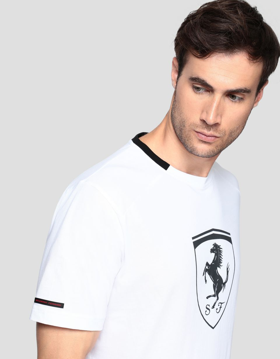 Scuderia Ferrari Online Store - Men's cotton T-shirt with Ferrari Shield -