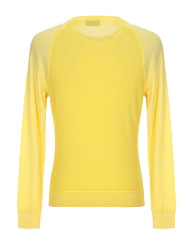 Фото 2 - Мужской свитер  желтого цвета