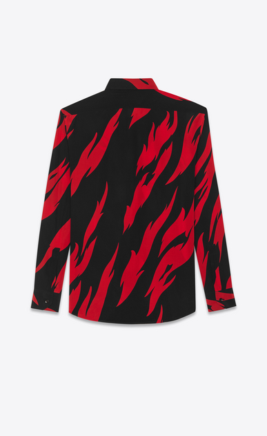 SAINT LAURENT Chemises Casual U Chemise à col YVES en crêpe de soie à imprimé flammes noir et rouge b_V4