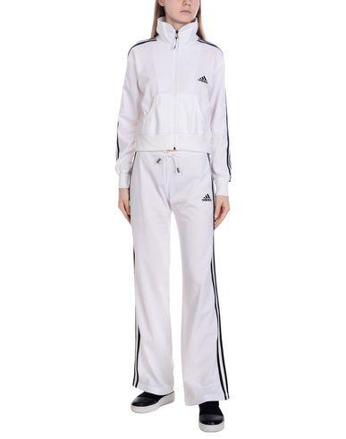 Купить Женский спортивный костюм  белого цвета