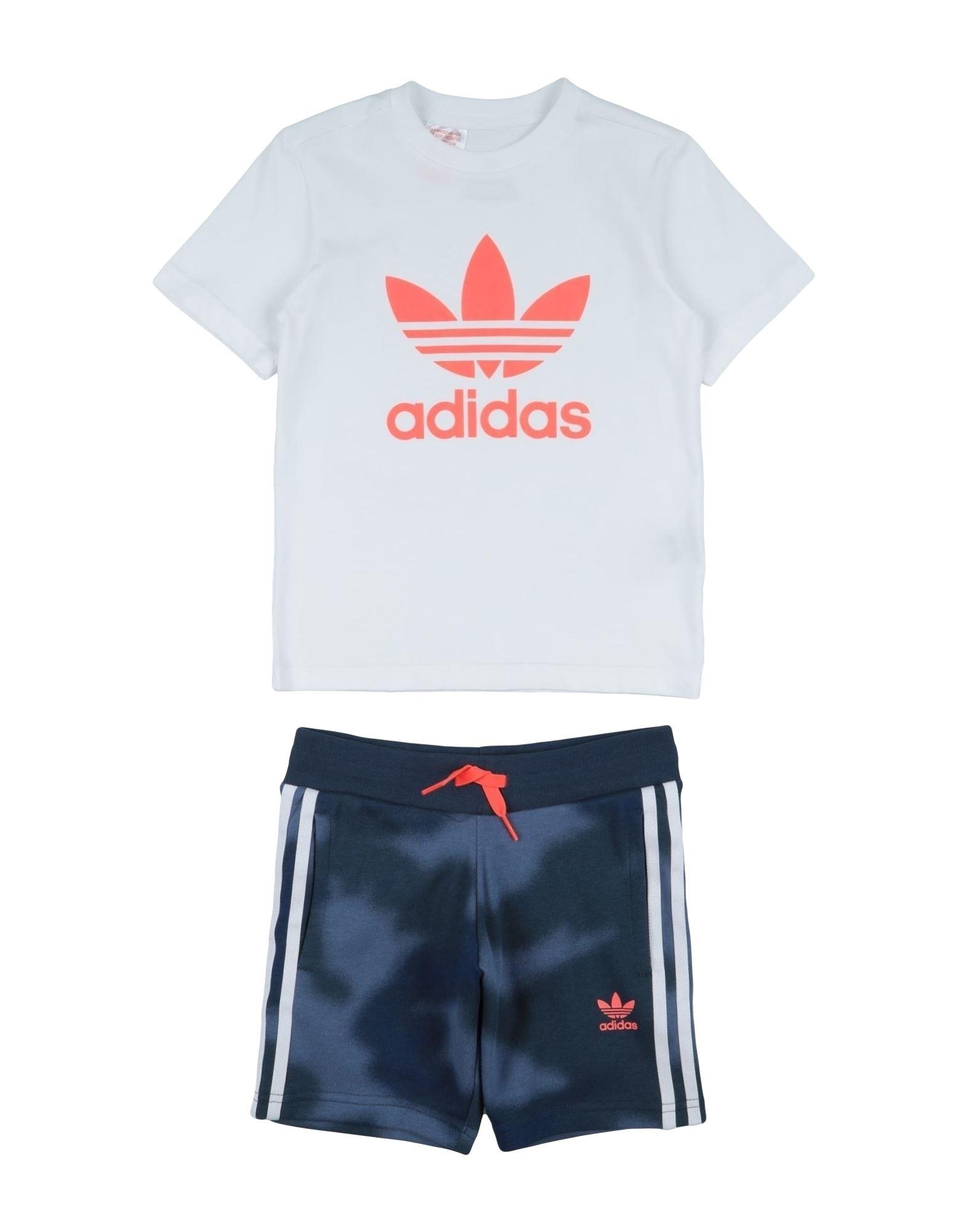 ADIDAS ORIGINALS Комплекты с шортами adidas originals комплекты с шортами