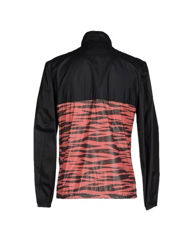 Фото 2 - Мужскую куртку THE EDITOR черного цвета