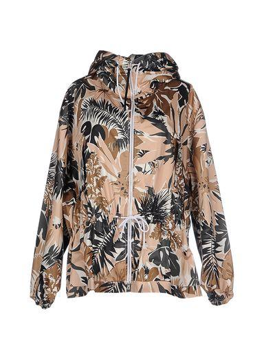 Фото - Женскую куртку  коричневого цвета
