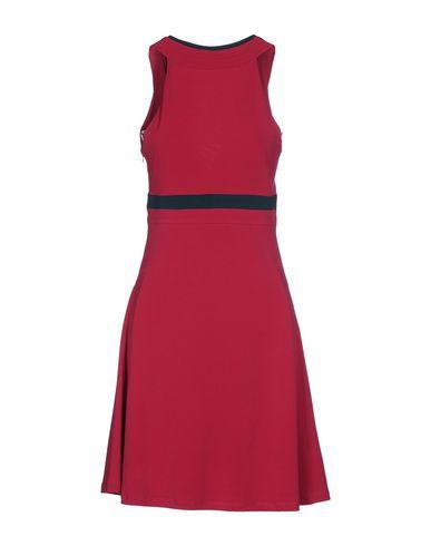 Фото 2 - Женское короткое платье SIMONA MARTINI цвета фуксия