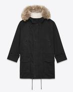 SAINT LAURENT Manteaux U Parka à capuche en gabardine de lin et coton noire, en peau de mouton ivoire et en fourrure de coyote f