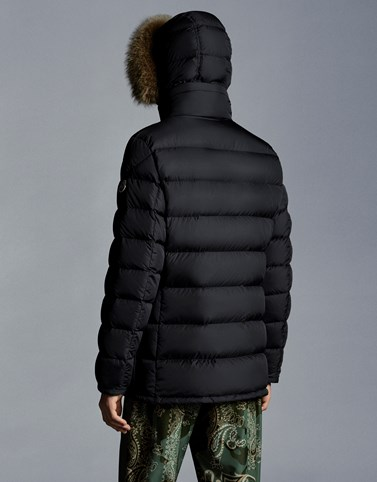 dbe9a3db7 Moncler CLUNY for Man, Parka   Official Online Store