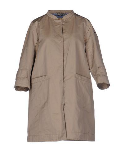 Легкое пальто от HISTORIC