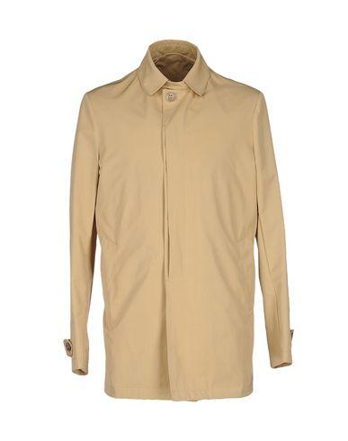 Легкое пальто от BRIAN DALES