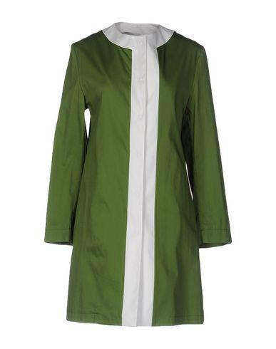 Легкое пальто от GUTTHA
