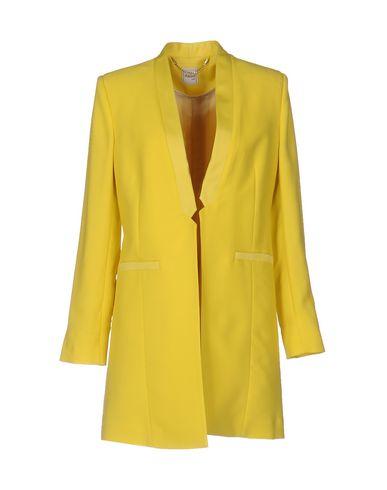 Легкое пальто от AMNÈ